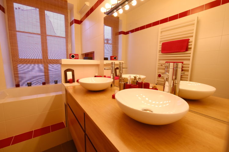plan double vasques posees sur meuble salle de bain